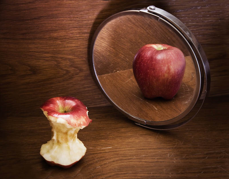 Body Image Apple Core MIrror
