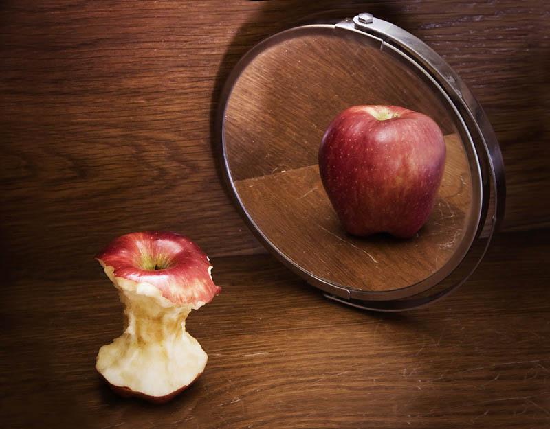 Body Image Apple Core MIrror